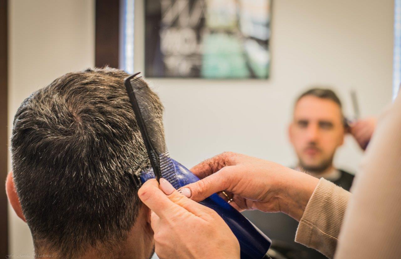 Fryzjer Damski Męski Dzięcięcy Stylizacja Fryzur